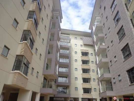 Riverside - Flat & Apartment image 1