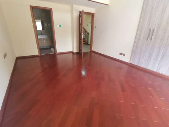 Magnificent 5 bedroom townhouse all ensuite with dsq for rent lavington area image 6