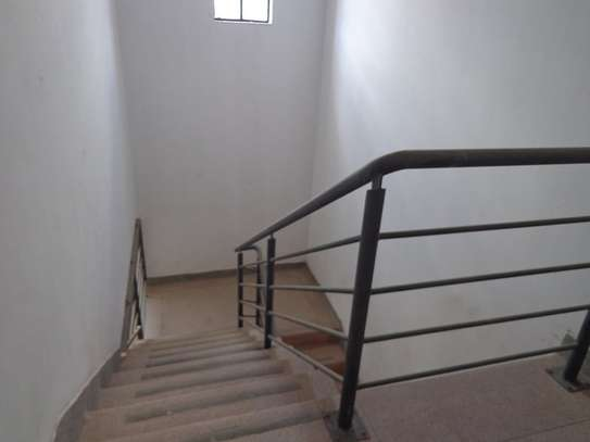 6500 ft² warehouse for rent in Mombasa Road image 7