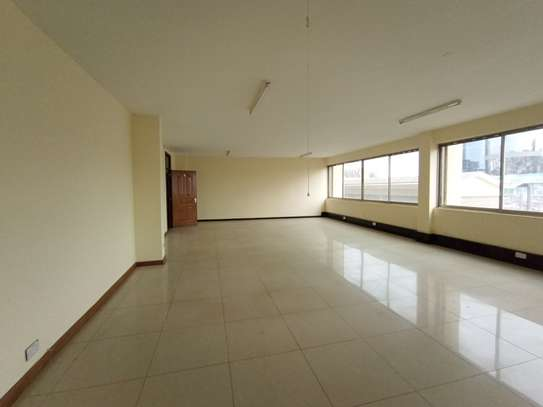 400 ft² commercial property for rent in Westlands Area image 5