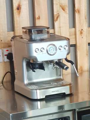 Automatic Espresso Machine With Compact Coffee Grinder image 1