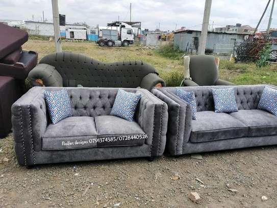 Tufted sofa/two seater sofa/modern sofasets/modern sofas/tufted sofas/sofasets image 3