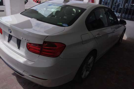 BMW 320i Automatic image 5