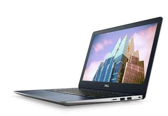 Dell Inspiron 13 5370 core i7 8GB image 3