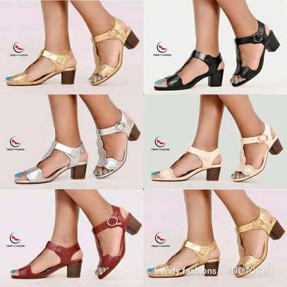 Casual low heels image 1