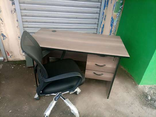 Desk and office chair image 1