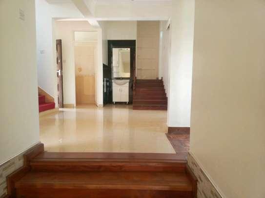 6 bedroom to let in kileleshwa image 9