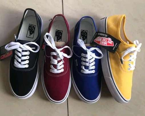 VANS OFF THE WALL image 1