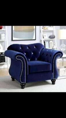 Stylish Timeless Quality 5 Seater Camel Back Chesterfield Sofa image 3