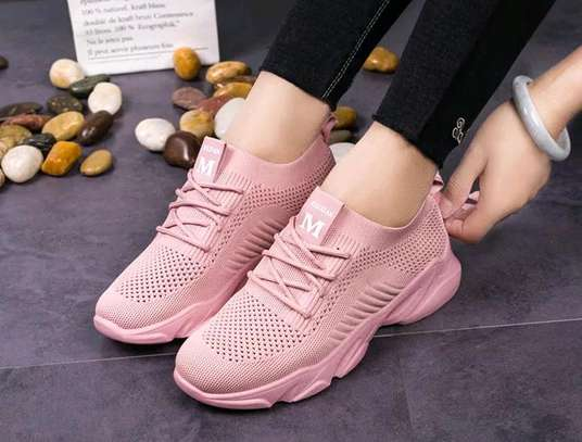 Fashionable Ladies Sneakers
