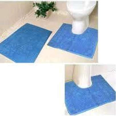 Toilet Set and Unique Rugs image 4