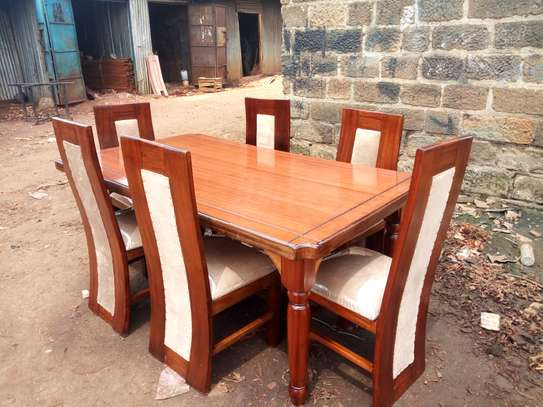 6seater dining table. image 1