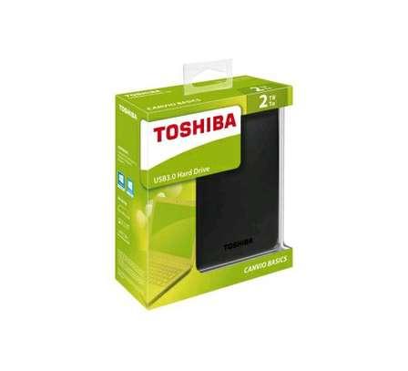 Toshiba external hand drive image 1
