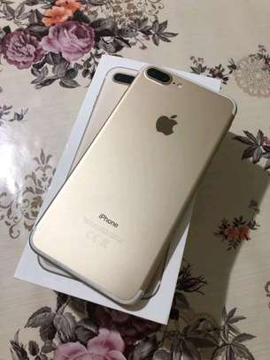 An Apple Iphone 7 Plus [ 256 Gigabytes Gold ] image 1