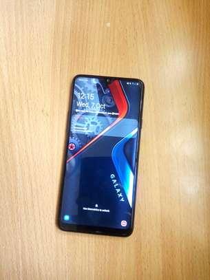 Samsung Galaxy A20S image 2