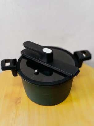 6 Litre Riro non-stick pressure cooker image 1