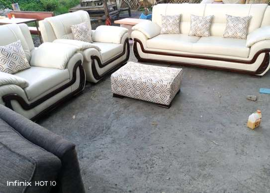 Kangaroo sofa image 1