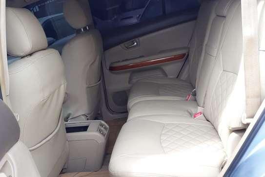 Lexus RX 300 image 9