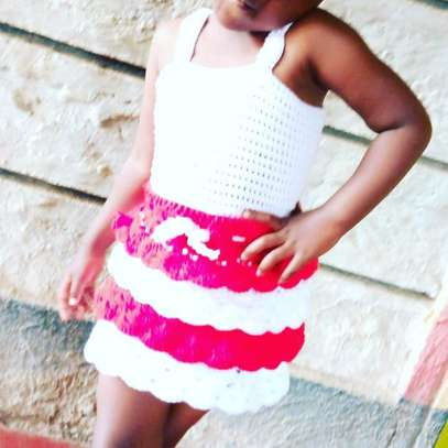 Crocheted top and skirt. image 2