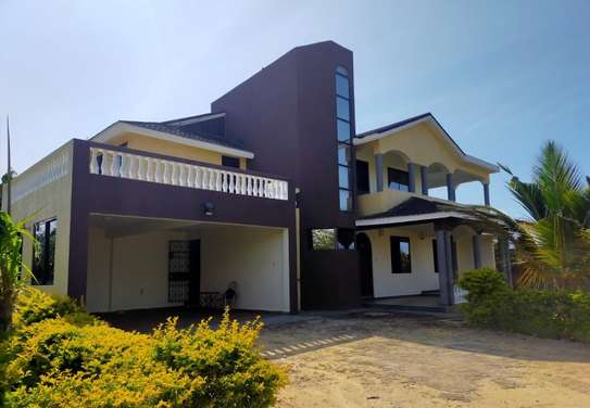 4 bedroom house for rent in Shanzu image 1