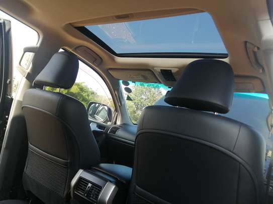 Toyota Prado TX 2013 with Sunroof and leather seats image 3