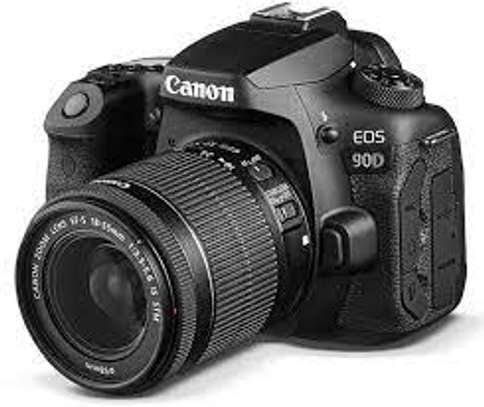 CANON 90 D with 18-135mm Lens image 1