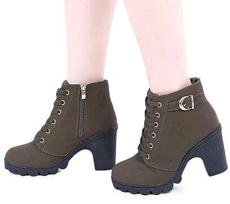 Classy ladies boots image 4