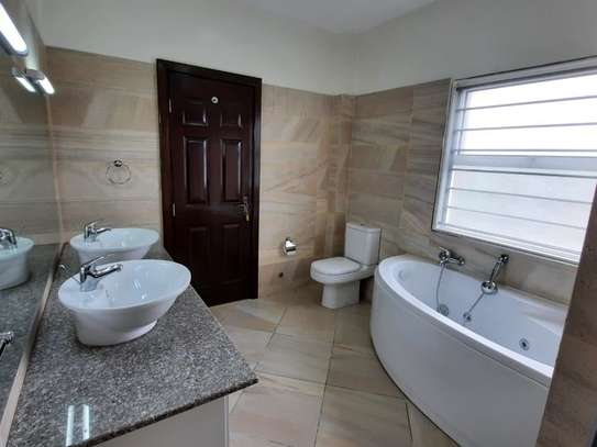3 bedroom apartment for rent in Kilimani image 1