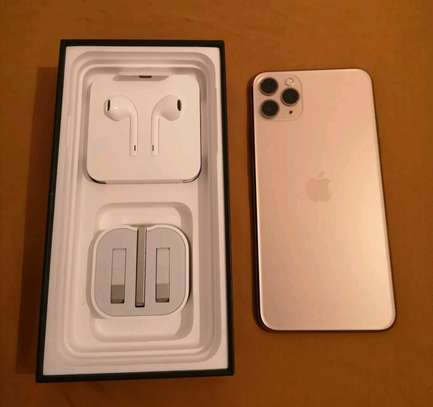 An Apple Iphone 11 Pro Max  [ 512  Gigabytes Gold ] image 3