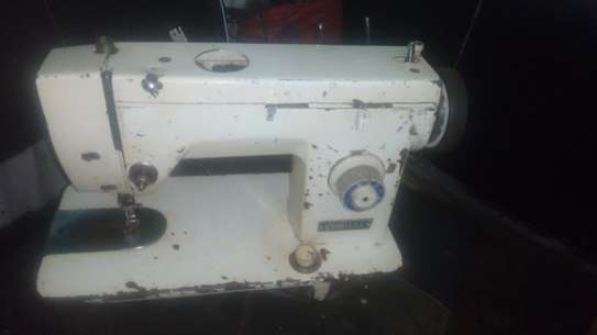 Seagull zigzag and straight sewing machine