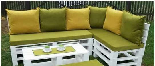 Pallet furniture image 2