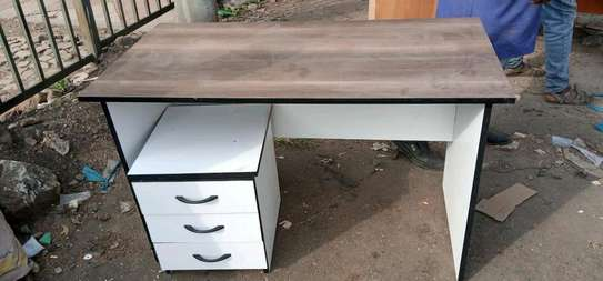 4ft Office Desk with removable drawers image 1