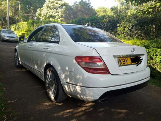 MERCEDES BENZ C200. AT A GOOD DEAL PRICE! image 8