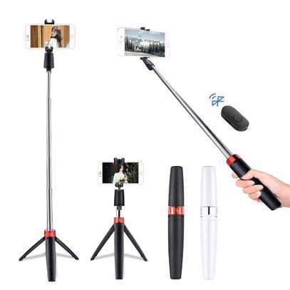 Y9 tripod selfie stick image 3