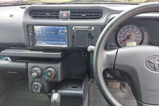 Toyota Succeed image 12