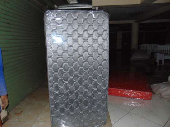 8 INCH EXTRA HIGH DENSITY QUILTED MATTRESS image 6
