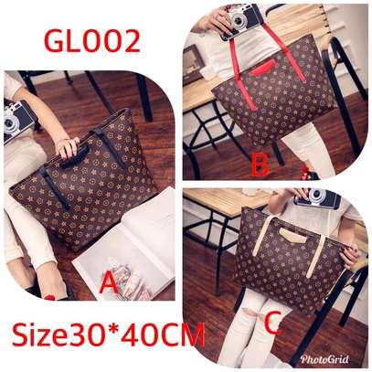 Ladies classy pattern leather handbags image 4