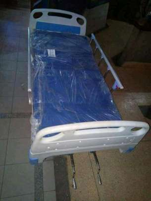 Two crank hospital and home nursing bed image 4