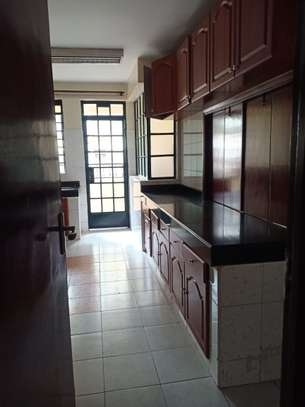 ELEGANT 3 BEDROOM ALL ENSUITE APPARTMENT WITH DSQ IN KILELESHWA image 4