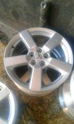 Mitsubishi alloy rims image 1