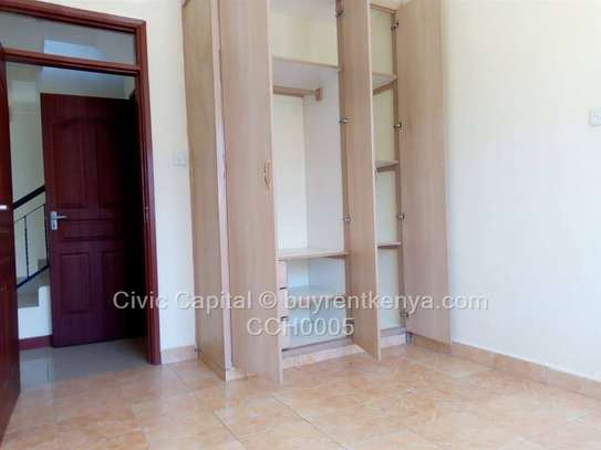 4 bedroom townhouse for rent in Syokimau image 12
