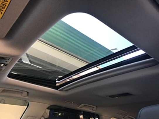 Lexus Lx570 2018 White 2000Km image 10