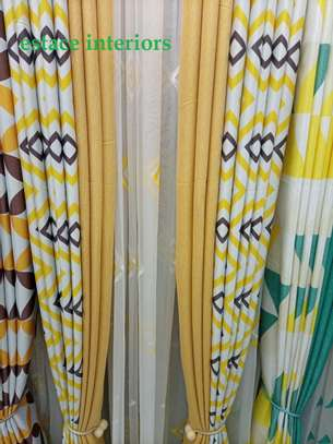 CURTAINS TOGETHER WITH BLINDS image 4
