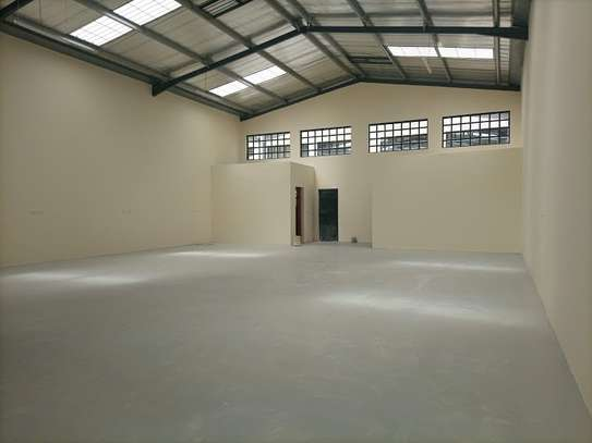 3000 ft² warehouse for rent in Mlolongo image 8