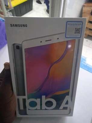 Samsung Tablets 8 inch 32gb 2gb ram 8mp camera image 1