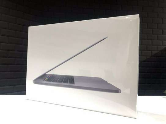 Sealed In The Box 15 Inch 2019 Macbook Pro With Touch Bar 8 Core i9 512GB SSD 16GB RAM With Warranty