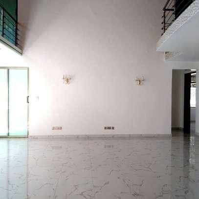 6 bedroom townhouse for rent in Karen image 1