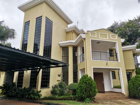 AN OUTSTANDING AND AFFORDABLE THREE STOREY 5 BEDROOM TOWNHOUSE image 2