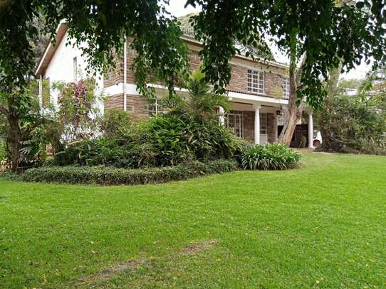 5 bedroom house for rent in Lavington image 5