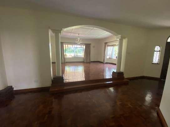 5 bedroom house for rent in Gigiri image 6